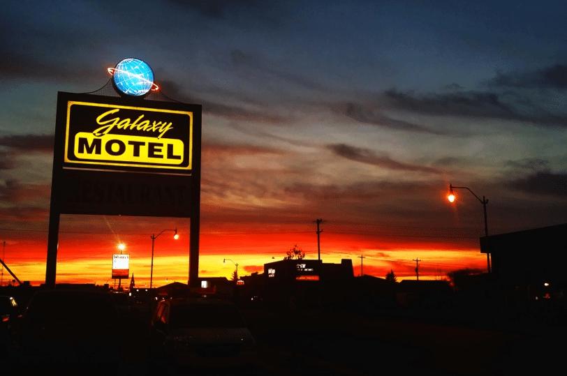 Galaxy Motel - stay hotels Lakeland Alberta